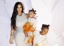 Ким Кардашьян с дочками Чикаго и Норт
