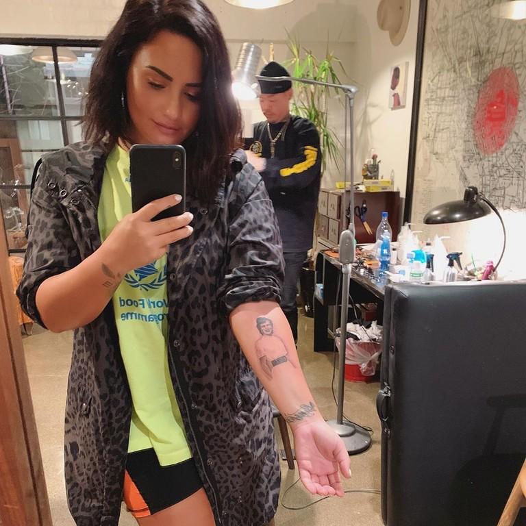 Деми Ловато и ее новая татуировка