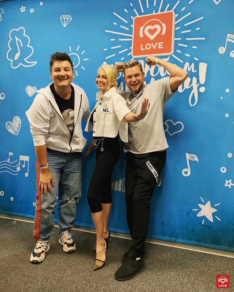 Красавцы Love Radio и Яна Рудковская