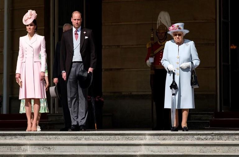 Кейт Миддлтон, принц Уильям и королева Елизавета II