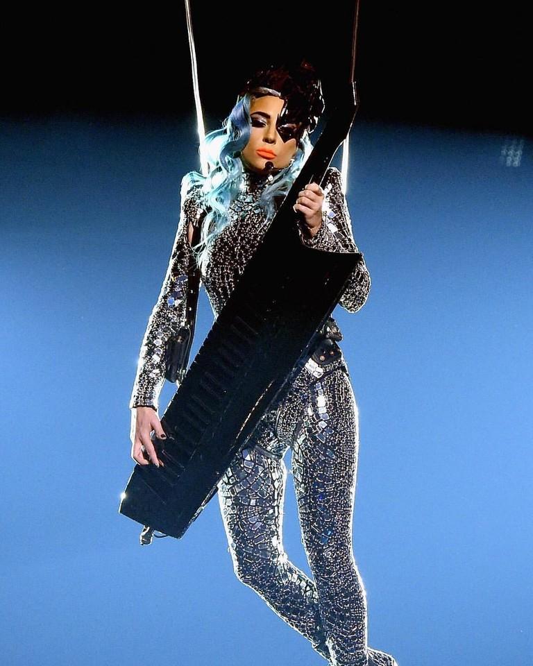 Леди Гага на шоу Enigma