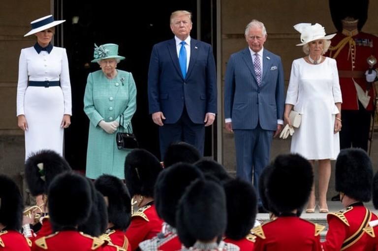 Мелания Трамп, Елизавета II, Дональд Трамп, принц Чарльз и Камилла Паркер