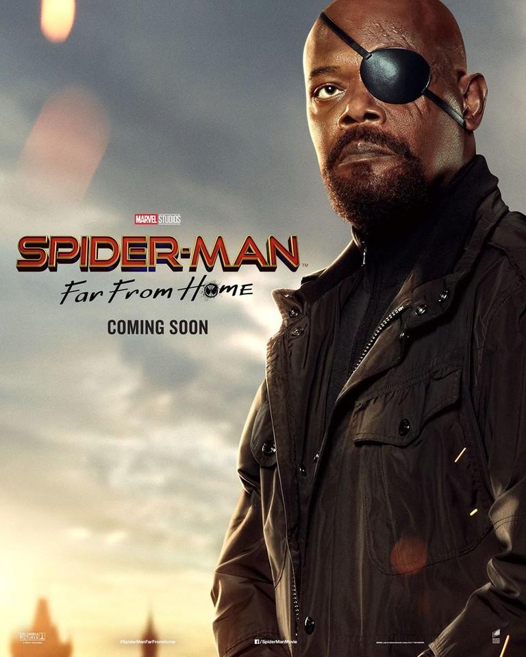 Сэмюэл Л. Джексон на постере фильма «Человек-паук: Вдали от дома»