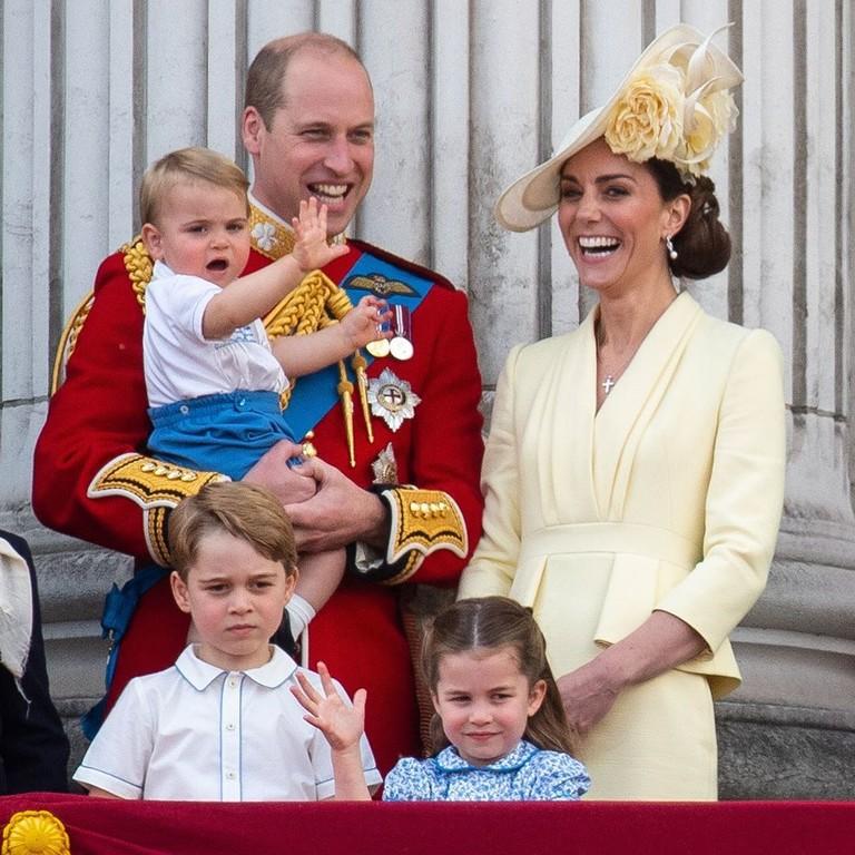 Принц Уильям и Кейт Миддлтон с детьми