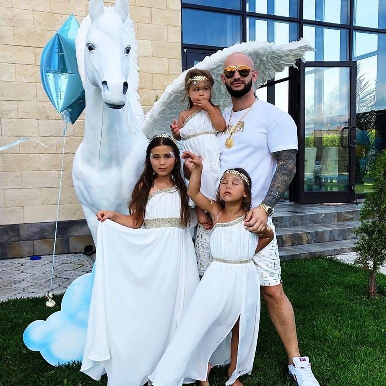 Джиган с дочками