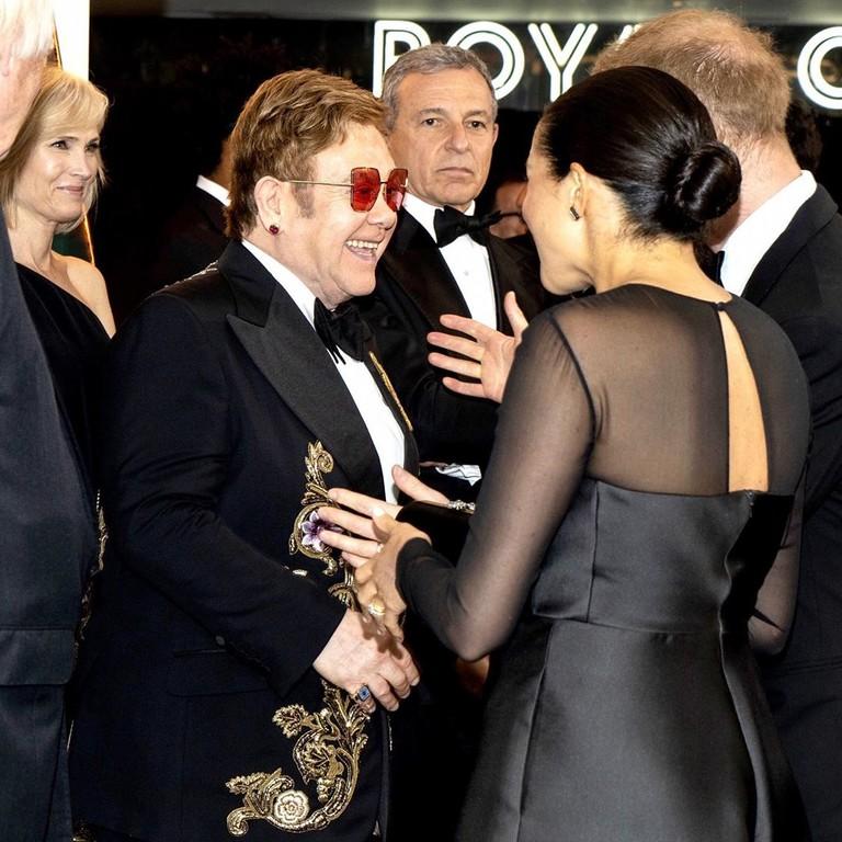 Элтон Джон и Меган Маркл на премьере «Короля Льва»