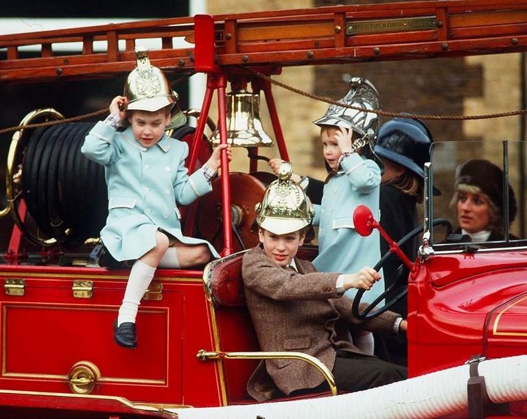 Принцесса Диана с сыновьями и племянниками
