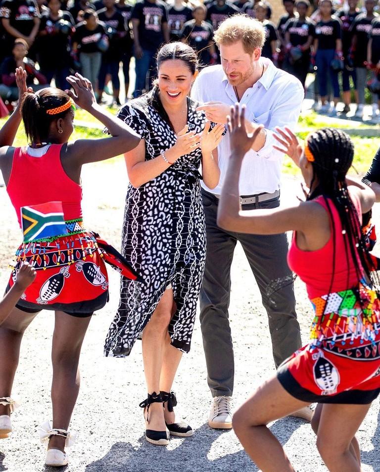Меган Маркл и принц Гарри в Африке