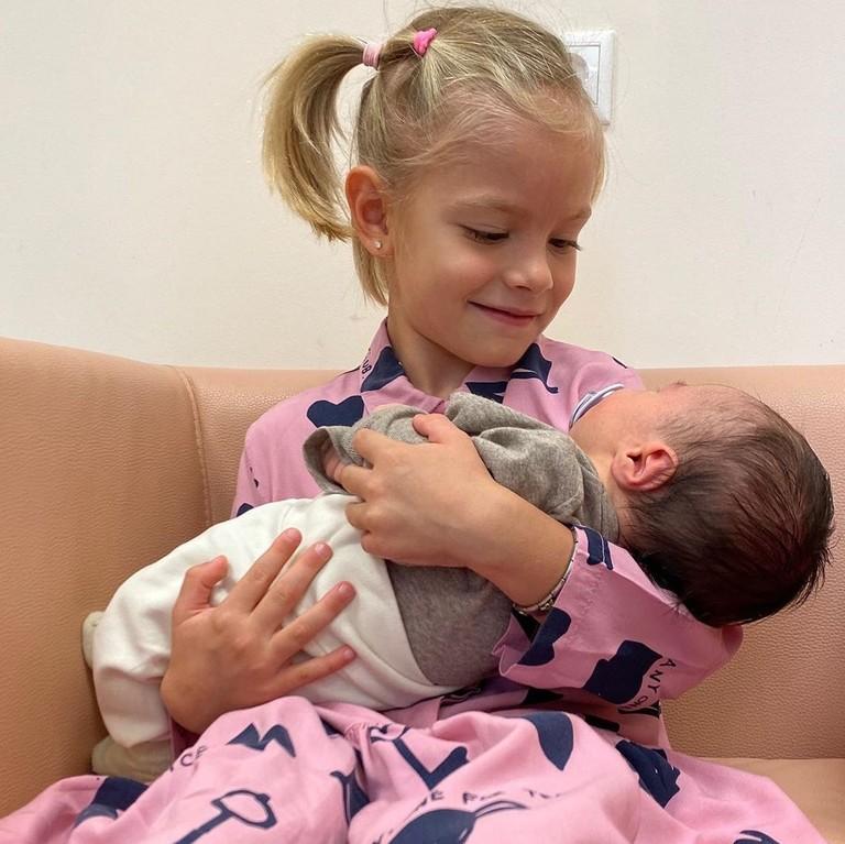 Алиса с маленьким Ратмиром