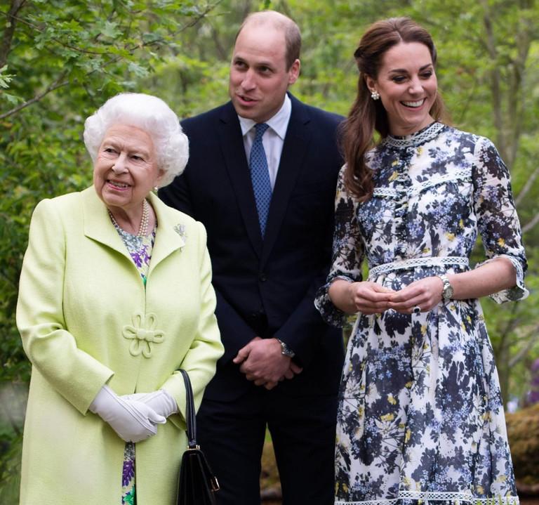 Елизавета II, принц Уильям и Кейт Миддлтон