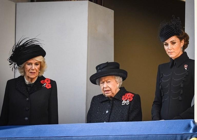 Камилла, Елизавета II и Кейт Миддлтон