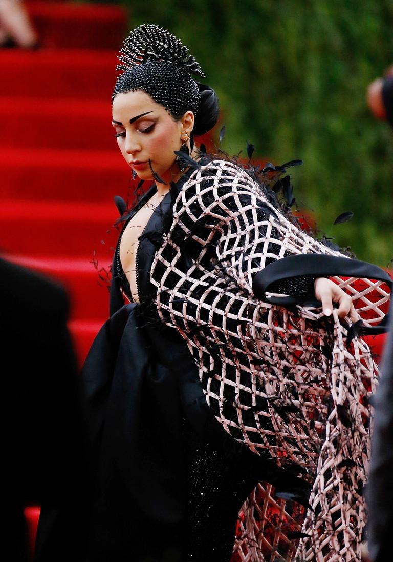Леди Гага на Met Gala 2015
