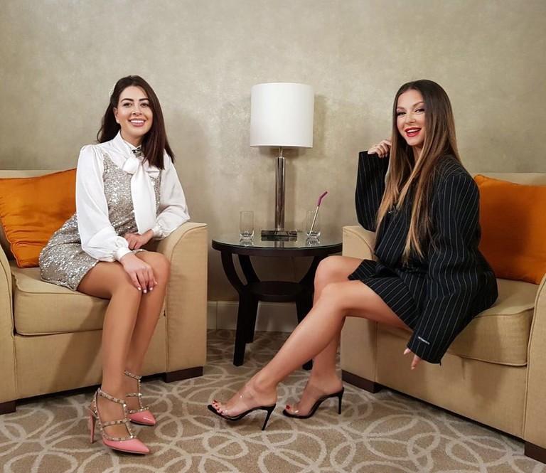 Певица Нюша на интервью