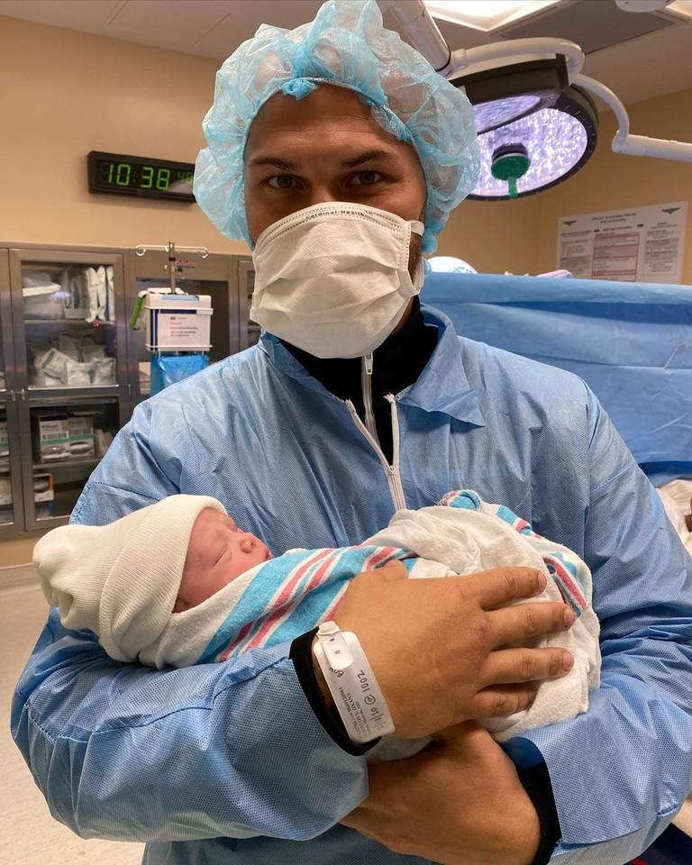 Джиган с новорожденным сыном