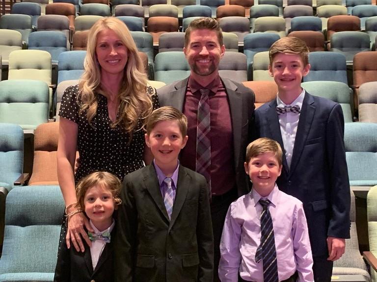 Колби Линч Тернер с семьей