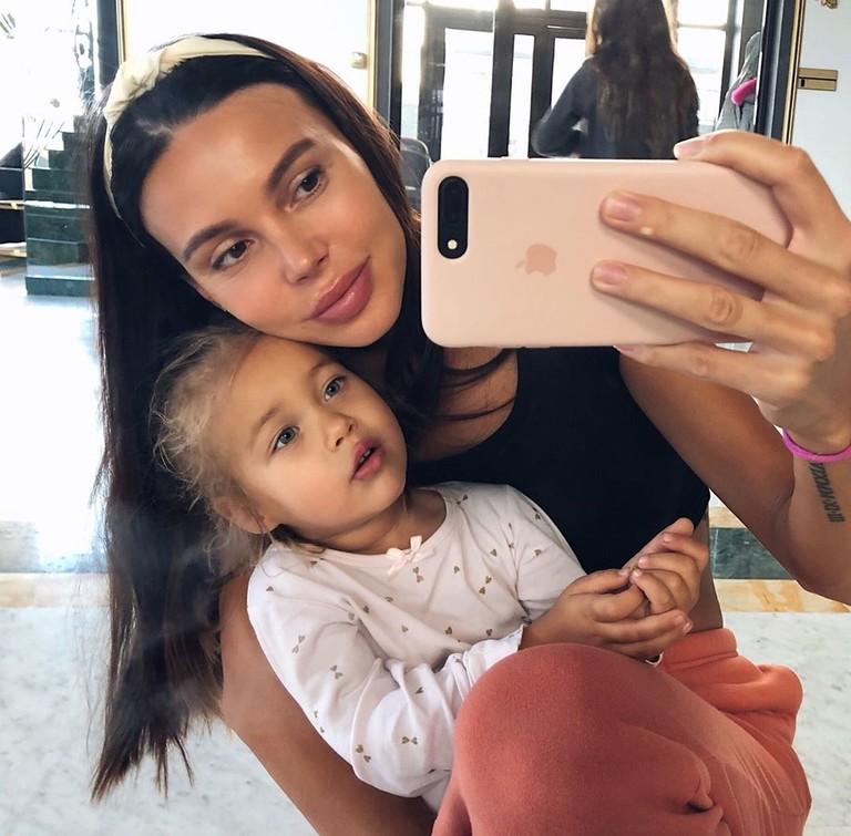 Оксана Самойлова с дочкой