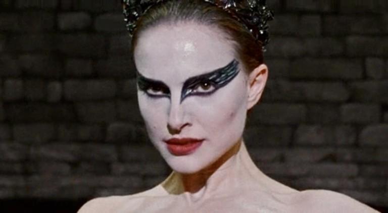 Кадр из фильма Черный лебедь