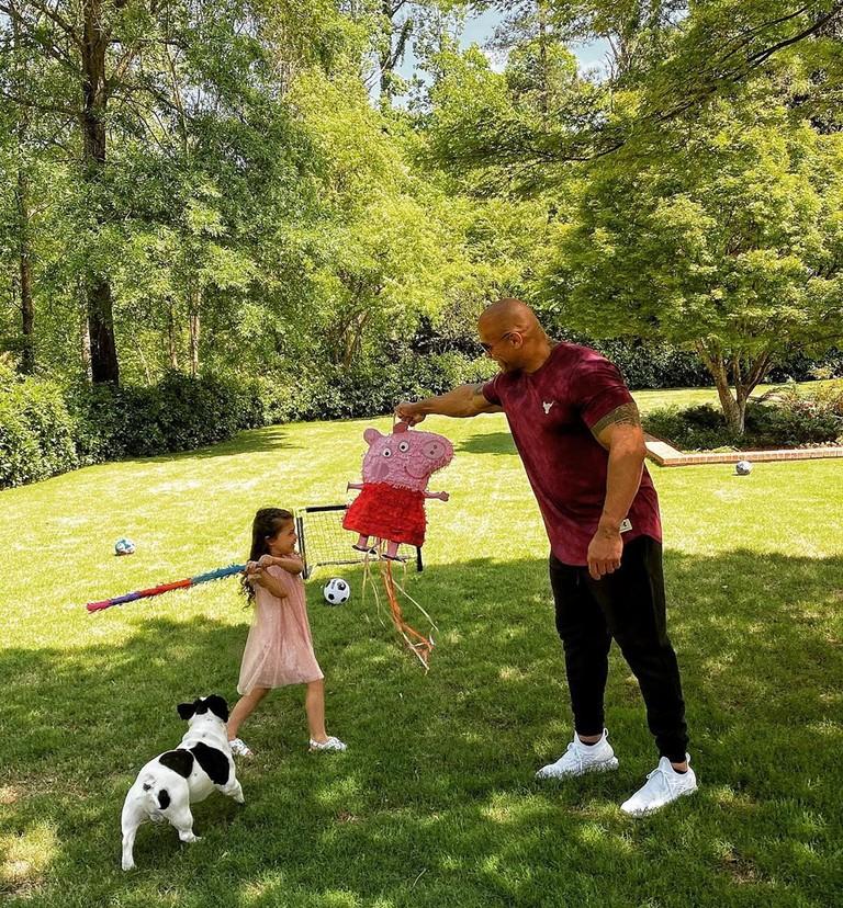 Дуэйн Джонсон с дочкой