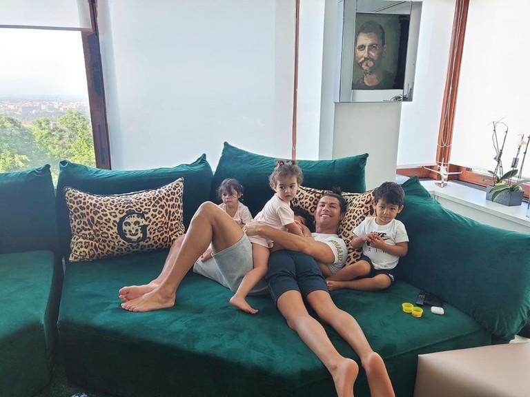Криштиану Роналду с детьми