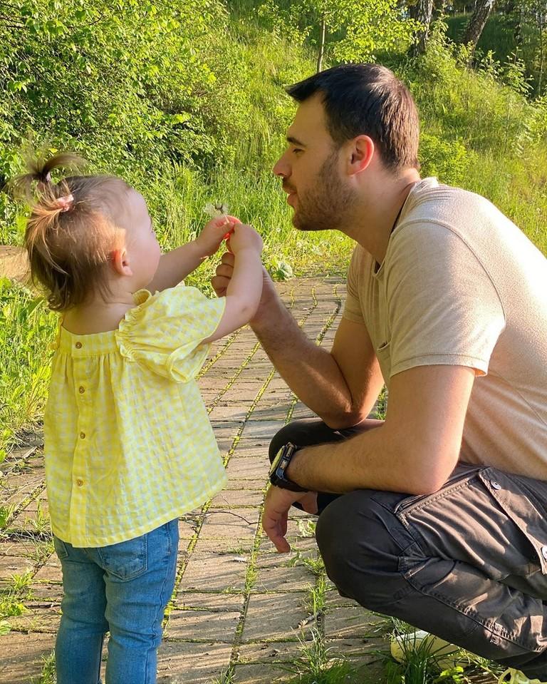 Emin с дочкой Афиной