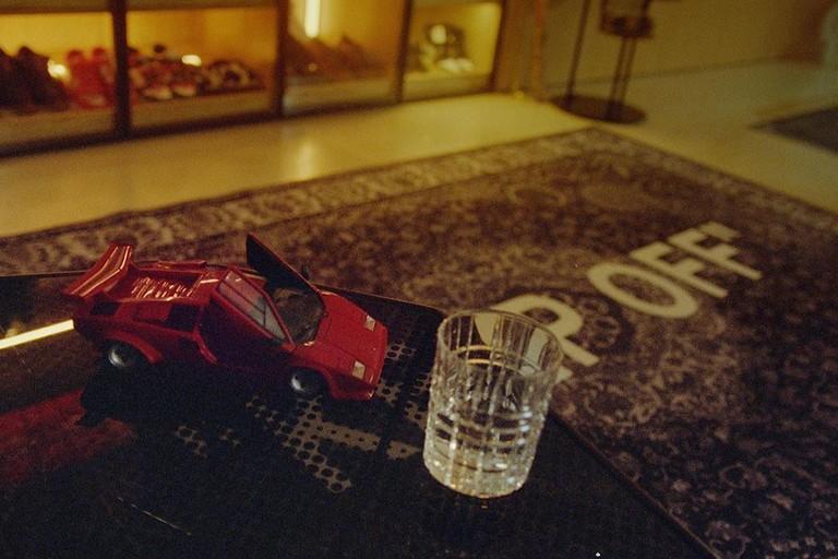 Кадры из клипа Элджея Lamborghini Countach