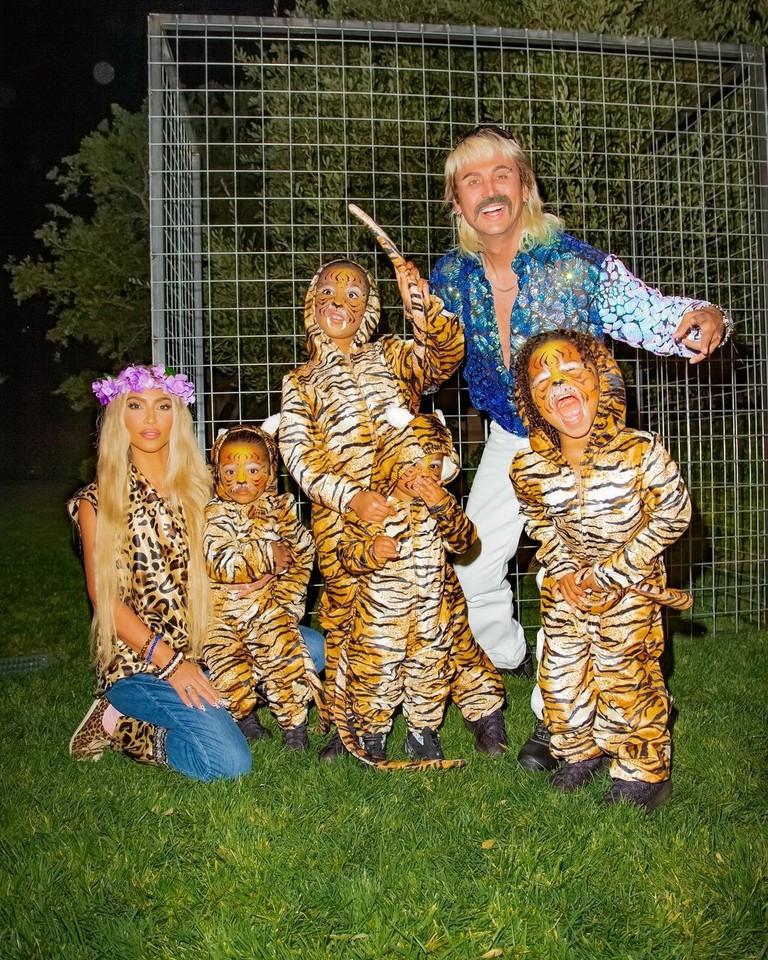 Ким Кардашьян с детьми и Джонатан Чебан