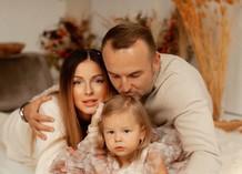 Нюша с супругом Игорем Сивовым и дочкой Симбой