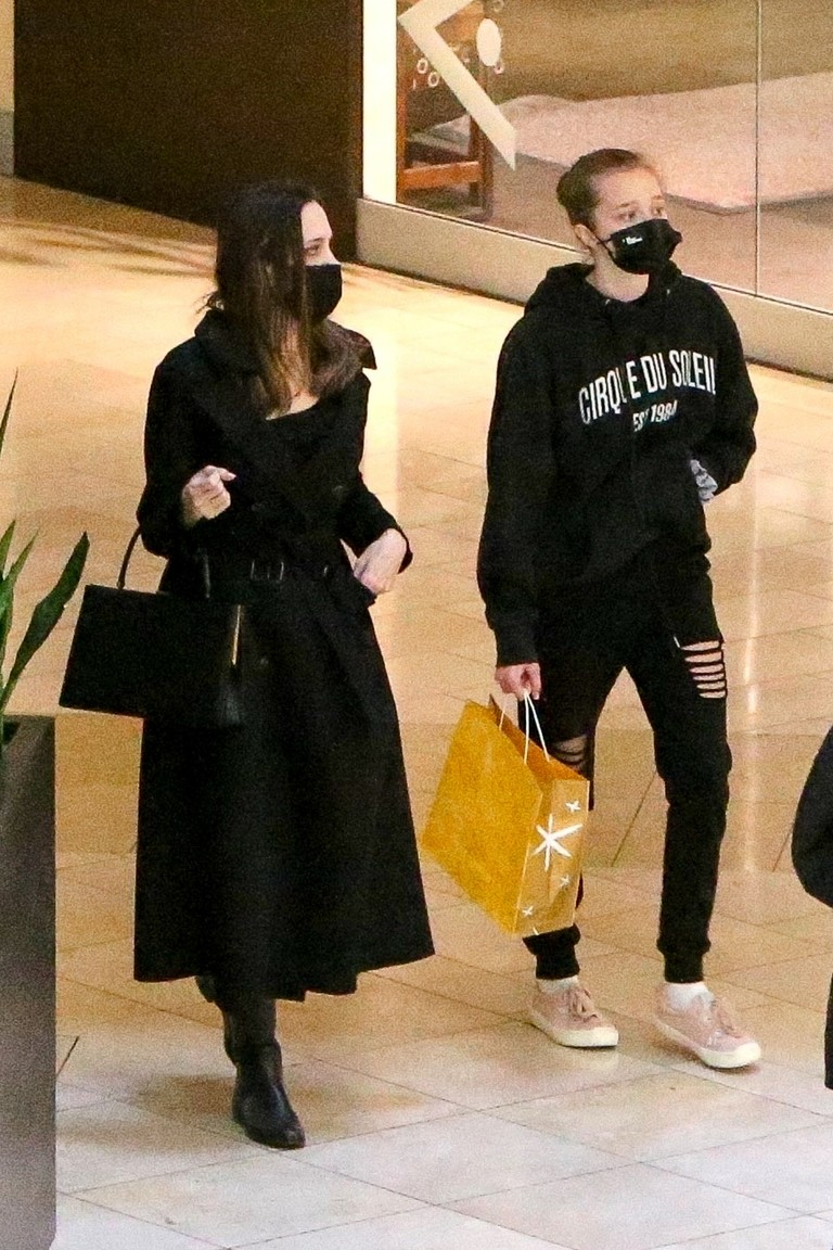 Анджелина Джоли с дочкой Шайло