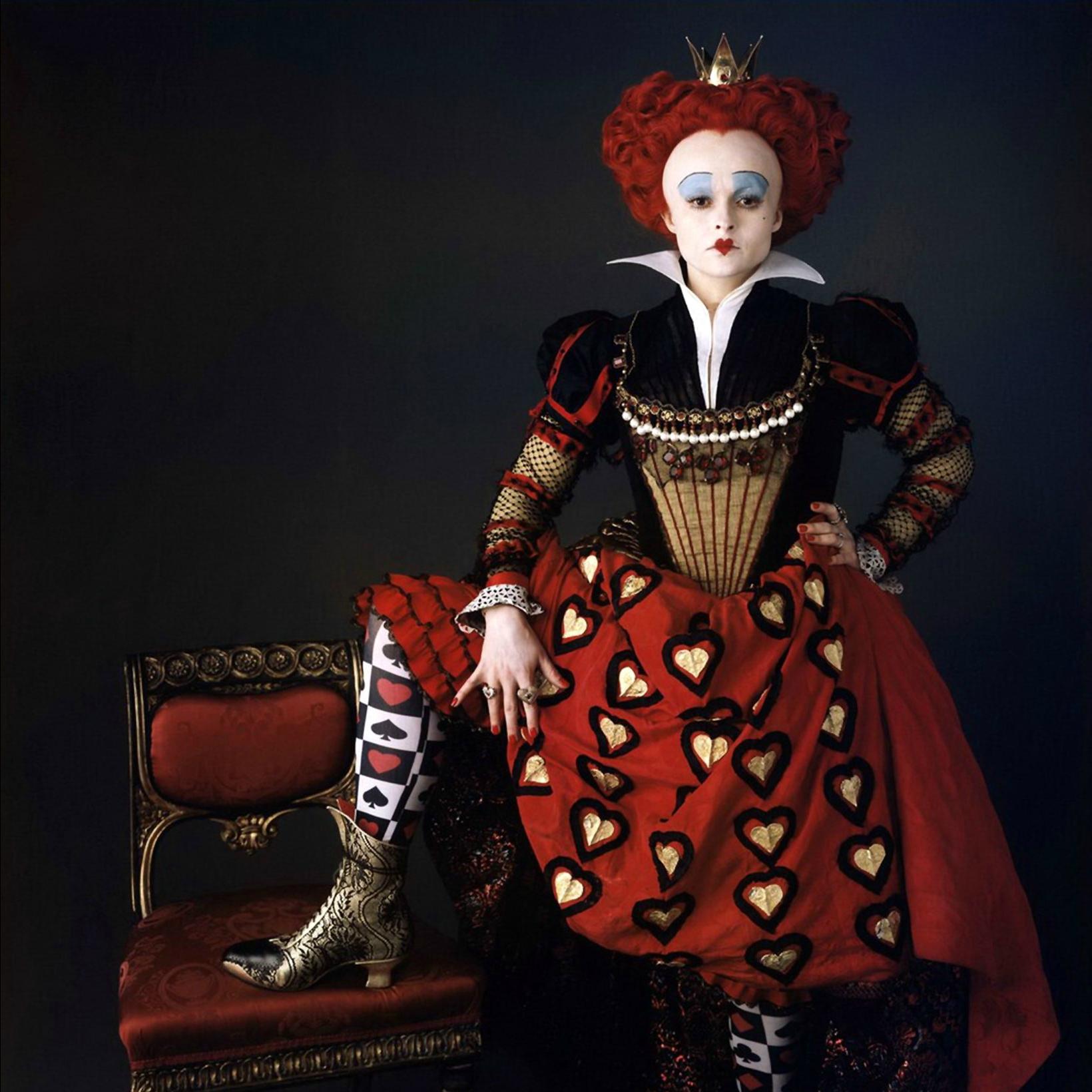 Хелена Бонем Картер в образе Червонной Королевы
