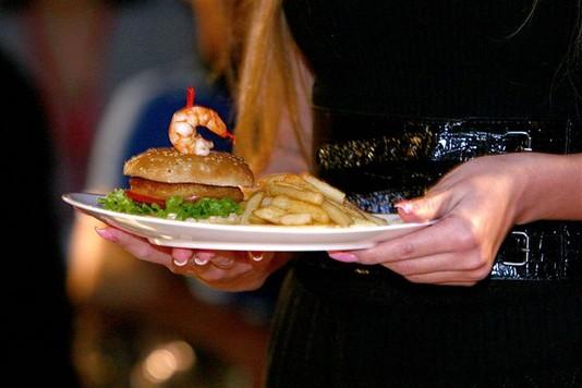 Вкусный показ - Дреcсированный Бургер