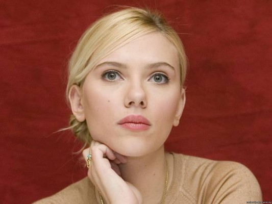 Скарлет Йохансон