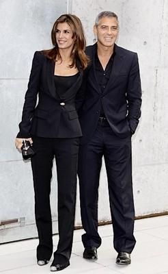 Джордж Клуни носит вещи подруги
