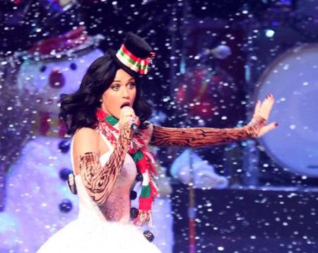 Кэти Перри стала снежной бабой Кэти Перри. кэти перри слушать