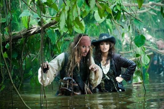 """""""Пираты Карибского моря: На странных берегах"""""""