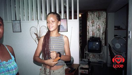 Детские фотографии Рианны Рианна. бритни спирс слушать