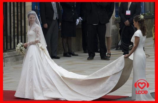 Пока в Британии ждут, когда свадебное платье герцогини Кембриджской будет выставлено для всеобщего обозрения, китайские невесты могут заказать его копию в