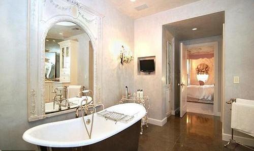 Дом, который семейство Осборнов продает за 13 миллионов долларов
