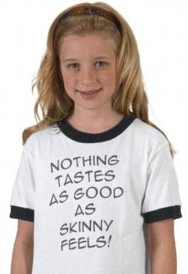 Дизайнерские футболки Кейт Мосс запретили к продаже