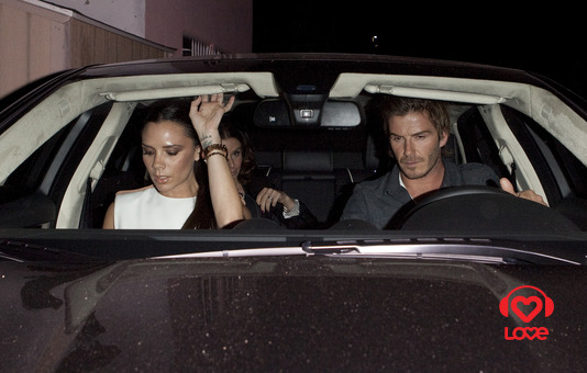 Дэвид Бекхэм (David Beckham) с супругой Викторией (Victoria Beckham)