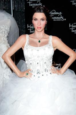 Свадебное платье Ким Кардашиан по версии музея Мадам Тюссо