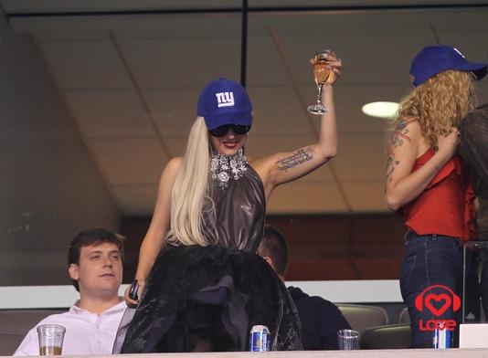 """Леди Гага посетила игру бейсбольной команды """"Giants"""""""