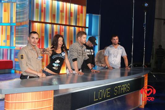 Звезды LOVE RADIO в игре 100 к 1