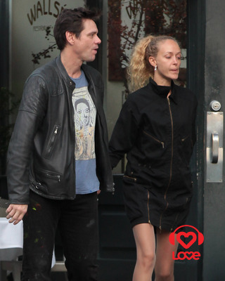 У Джима Керри новая девушка?