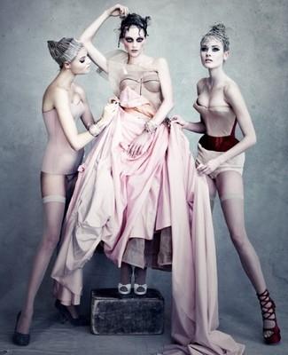 """""""Christian Dior"""" издает книгу о своей истории"""