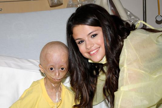 Селена Гомеc (Selena Gomez) . Горячие новости: Мама Селены Гомес ...