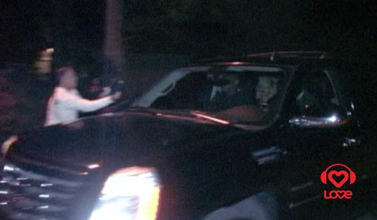 Рианна покидает дом Эштона Катчера