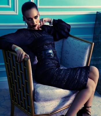 Джессика Альба предстала в образе роковой женщины для «Marie Claire»