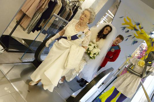 Постановка королевской свадьбы