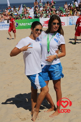 Новая Волна 2012. Турнир по пляжному футболу. Нюша и Кэти Топурия