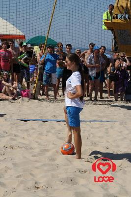 Новая Волна 2012. Турнир по пляжному футболу. Нюша